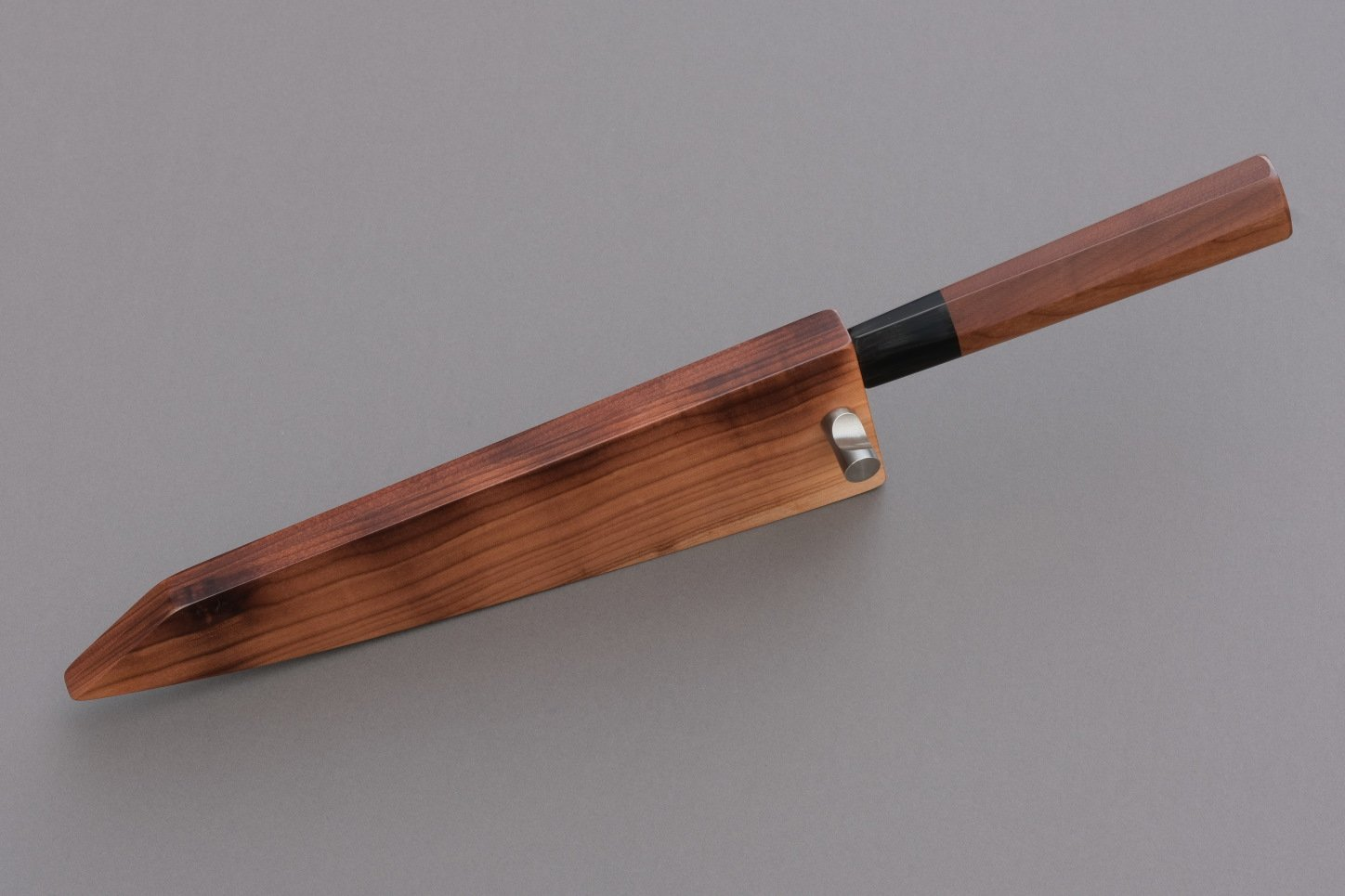 Excalibur knife from Guldimann with a handle and sheath from Bijouwood cherry
