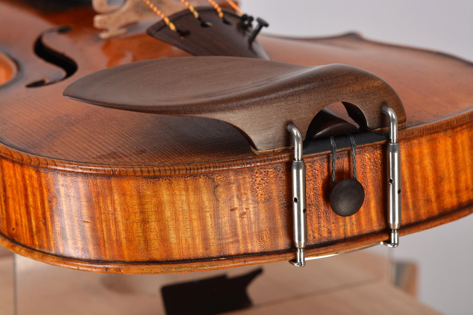 Endbutton from Sonowood maple made by Wilhelm Geigenbau
