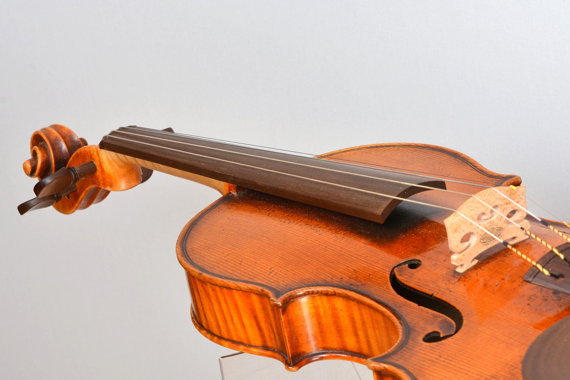 Fingerboard from Sonowood maple made by Wilhelm Geigenbau