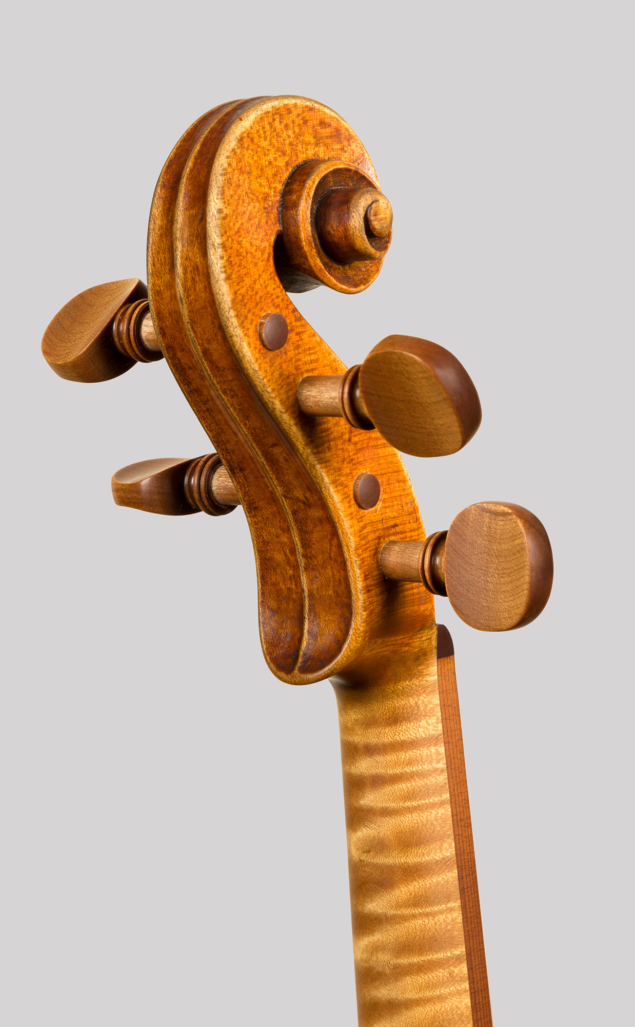 Pegs made from Sonowood spruce. Picture by Mihail Dron & Andreas Hochuli