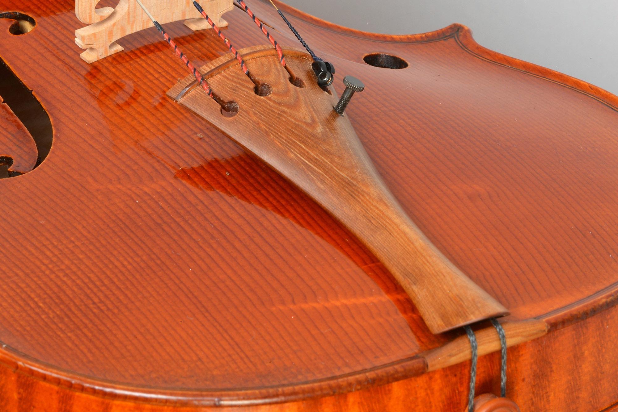 Tailpiece from Sonowood spruce made by Wilhelm Geigenbau